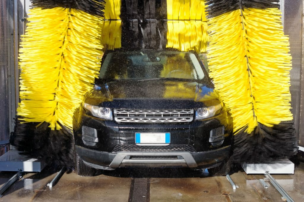 One of many applications of Engineering Chain is car wash machines.